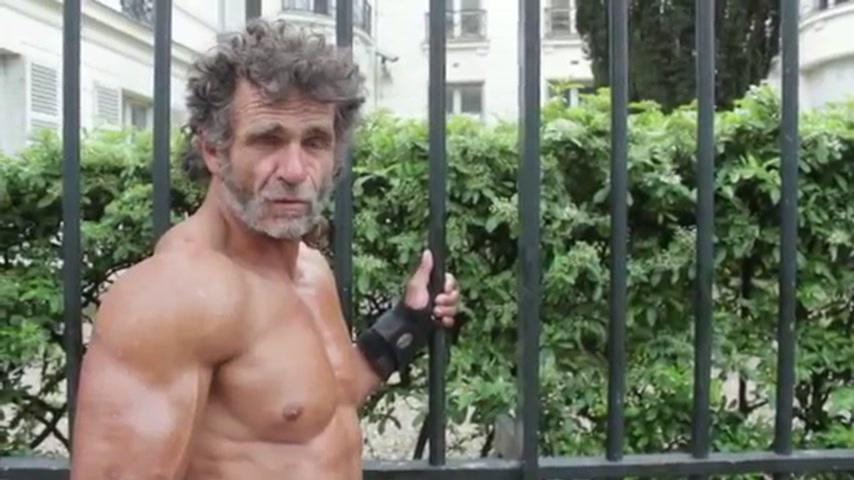 Бездомный культурист — Жак Саях